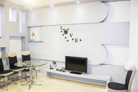 Сдается 2-комнатная квартира посуточно в Батуми, batumi agmashenebeli 20a.
