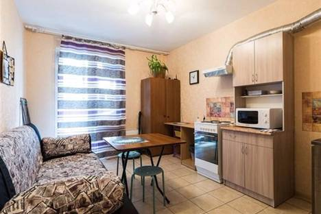 Сдается 2-комнатная квартира посуточно в Санкт-Петербурге, ул. Камская, дом 4.