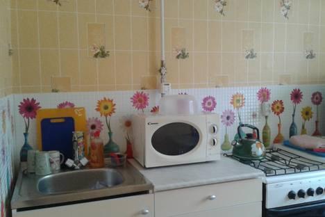 Сдается 1-комнатная квартира посуточнов Октябрьском, 34 мкрн, 3.