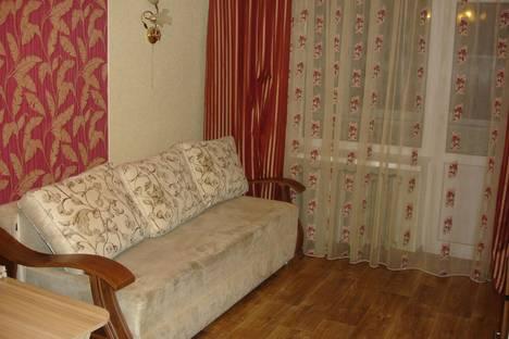 Сдается 2-комнатная квартира посуточно, Баклановский проспект, 158.