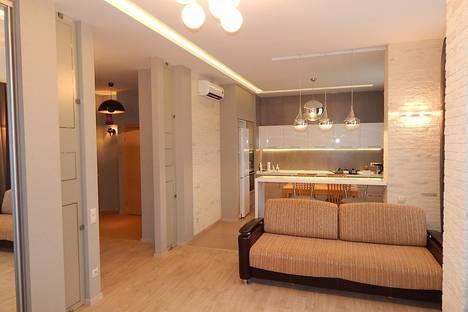 Сдается 3-комнатная квартира посуточно в Новосибирске, ул. Романова, 25.