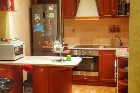 Сдается 2-комнатная квартира посуточно в Одессе, Радужный 8б.