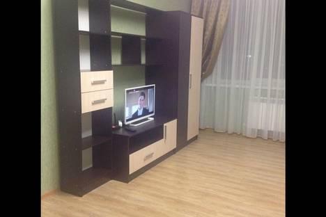 Сдается 2-комнатная квартира посуточно, ул. Ефремова, 160.