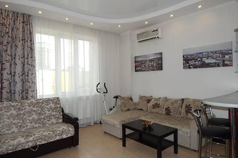 Сдается 2-комнатная квартира посуточно в Новосибирске, ул. Семьи Шамшиных, 16.