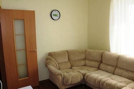 Сдается 2-комнатная квартира посуточно, Мира, 93А.