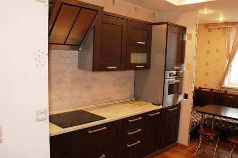 Сдается 1-комнатная квартира посуточно в Ханты-Мансийске, Студенческая, 18.