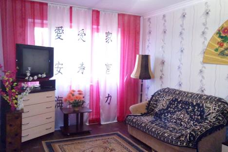 Сдается 1-комнатная квартира посуточно в Павлодаре, ул. Кутузова 7.