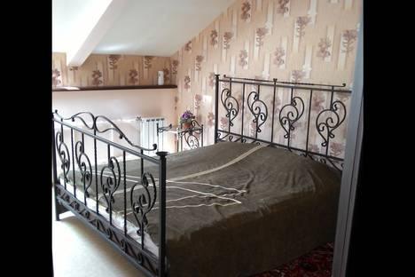 Сдается 2-комнатная квартира посуточно в Серпухове, ул. Калужская, 5/2.