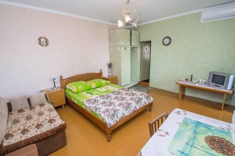 Сдается 1-комнатная квартира посуточно в Гурзуфе, ул. Никитина 7.
