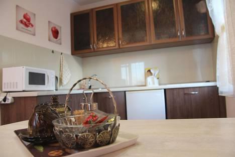 Сдается 1-комнатная квартира посуточно в Петропавловске-Камчатском, проспект 50 лет Октября, 5/1.