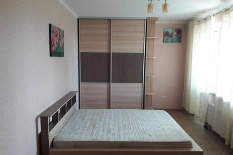 Сдается 3-комнатная квартира посуточно в Новосибирске, ул. Добролюбова, 18/1.