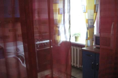 Сдается 3-комнатная квартира посуточнов Сатке, ул. Солнечная, 21.