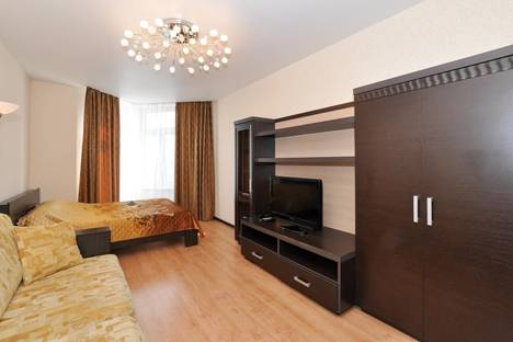Сдается 1-комнатная квартира посуточнов Екатеринбурге, Бажова 68.