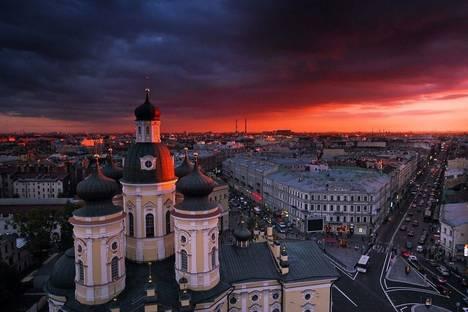 Сдается 4-комнатная квартира посуточно в Санкт-Петербурге, ул. Достоевского, 2/5.