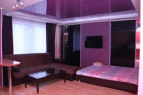 Сдается 1-комнатная квартира посуточно в Караганде, Бухар Жырау,96.