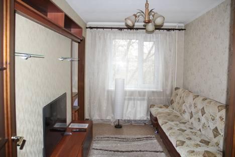 Сдается 2-комнатная квартира посуточно в Караганде, ул. Алиханова, 24/2.