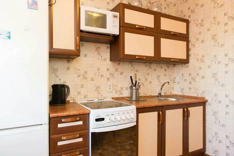 Сдается 2-комнатная квартира посуточно в Челябинске, Свердловский проспект, 86.