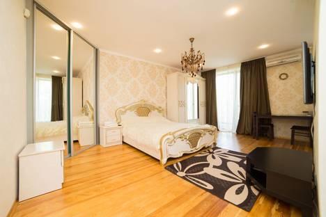 Сдается 1-комнатная квартира посуточно в Челябинске, ул. Коммуны, 137.