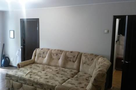 Сдается 2-комнатная квартира посуточно в Подольске, ул. Быковская,  13.