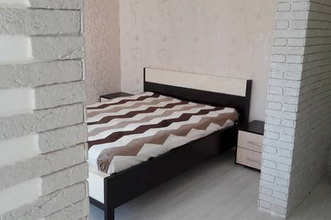 Сдается 1-комнатная квартира посуточнов Усолье-Сибирском, 82 квартал дом 7.