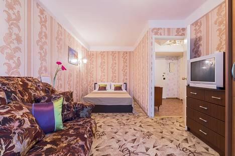 Сдается 1-комнатная квартира посуточнов Санкт-Петербурге, Большевиков, 25.