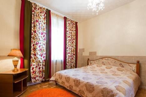 Сдается 4-комнатная квартира посуточно, Захарова 29-4.
