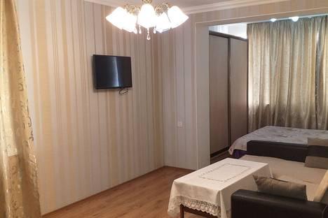 Сдается 1-комнатная квартира посуточно в Баку, ул.Хагани 109а.