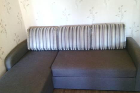 Сдается 2-комнатная квартира посуточнов Барнауле, Комсомольский проспект, 103.