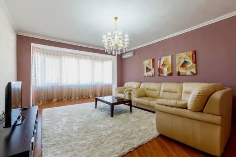 Сдается 3-комнатная квартира посуточно в Астане, Кунаева, 14/1.