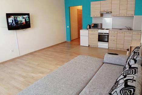 Сдается 1-комнатная квартира посуточнов Тюмени, проезд Геологоразведчиков, 44а.