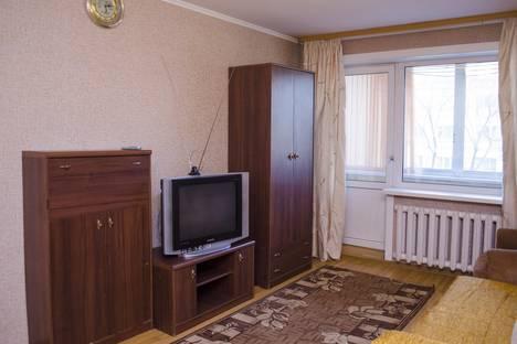 Сдается 2-комнатная квартира посуточно в Благовещенске, ул. Калинина, 76.