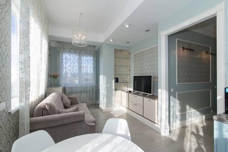 Сдается 2-комнатная квартира посуточно, Станиславского 11.