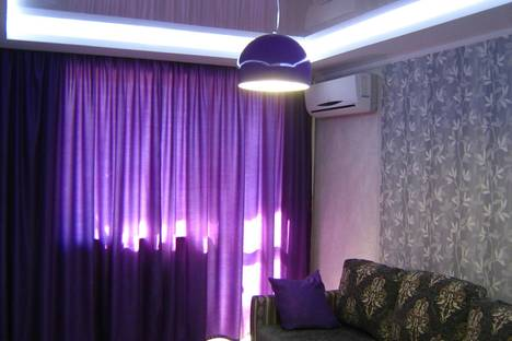 Сдается 2-комнатная квартира посуточнов Каче, Пр.Гагарина 12.