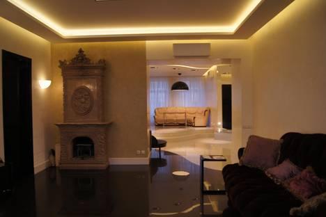 Сдается 4-комнатная квартира посуточно в Санкт-Петербурге, СОЮЗА ПЕЧАТНИКОВ ДОМ 29.