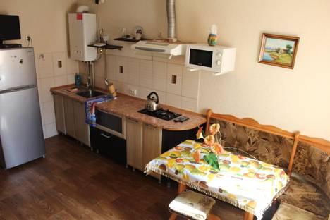 Сдается 2-комнатная квартира посуточно в Керчи, Чернышевского 21.