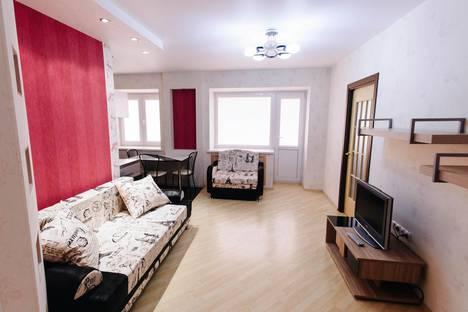 Сдается 2-комнатная квартира посуточно в Перми, революции 26.
