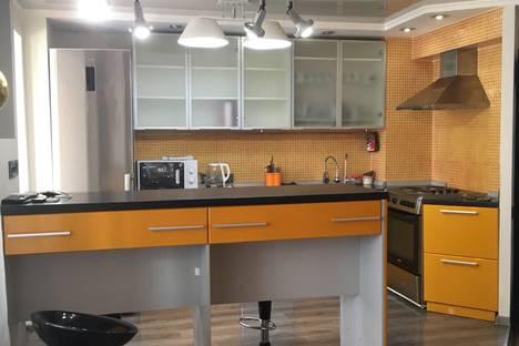 Сдается 1-комнатная квартира посуточно в Усть-Каменогорске, славского 48.