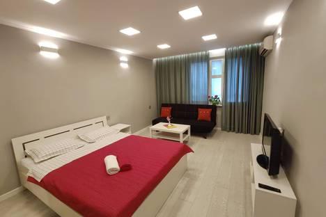 Сдается 1-комнатная квартира посуточно в Бишкеке, ул. Тоголбай Ата, 67.