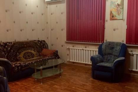 Сдается 2-комнатная квартира посуточно в Караганде, Ленина 81/3.
