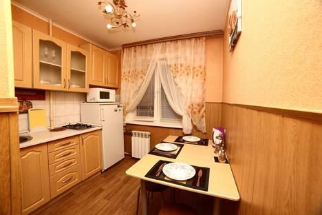 Сдается 2-комнатная квартира посуточно в Хабаровске, ул. Пушкина, 7.