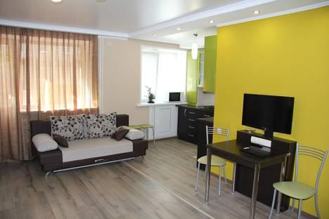 Сдается 2-комнатная квартира посуточнов Саратове, Аткарская ул., 88.