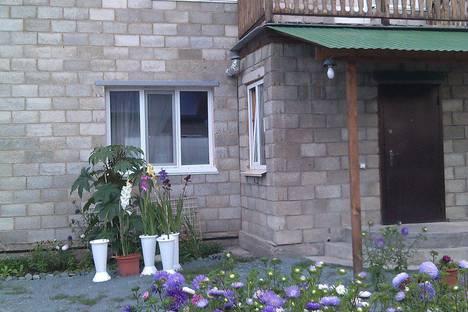 Сдается коттедж посуточнов Абзаково, Переулок Ёлочка дом 6.