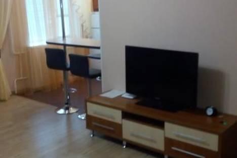 Сдается 1-комнатная квартира посуточнов Усинске, Молодежная, 13.