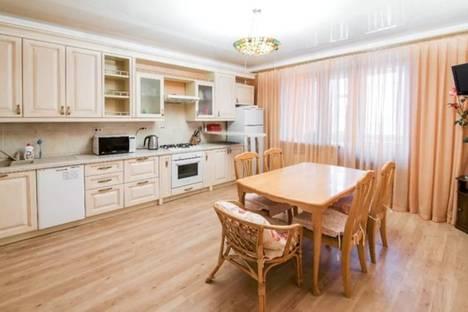 Сдается 3-комнатная квартира посуточно в Казани, Галискара Камала, 49.