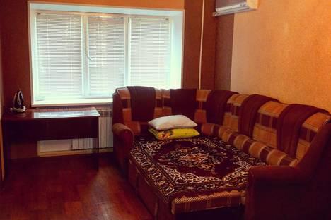 Сдается 2-комнатная квартира посуточно в Энгельсе, Проспект строителей 20.