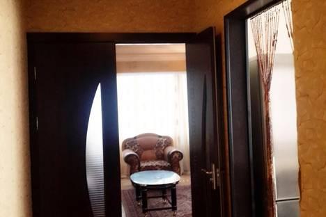 Сдается 3-комнатная квартира посуточно в Баку, Хагани 33.