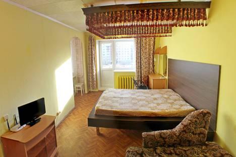 Сдается 1-комнатная квартира посуточно в Омске, Андрианова 30.