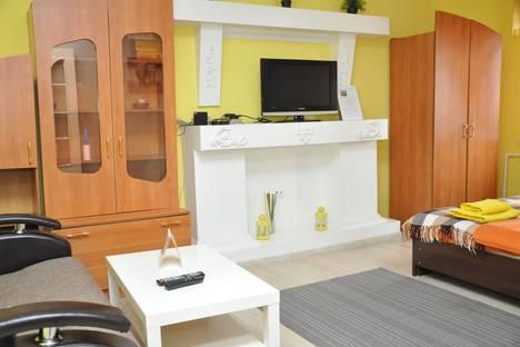 Сдается 1-комнатная квартира посуточно в Омске, ул. Дмитриева, 2 кор.7.