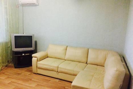 Сдается 2-комнатная квартира посуточно в Балакове, ул. Набережная Леонова, 67А.
