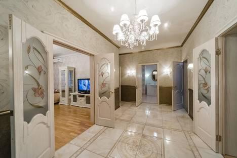 Сдается 4-комнатная квартира посуточно в Оренбурге, Комсомольская 122.